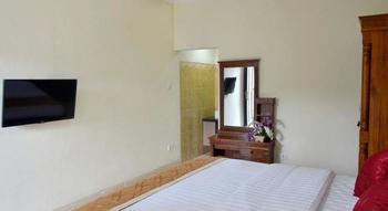 Kiki Residence Bali - Kamar Standar, pemandangan kolam renang (Queen Room) Hemat 30%