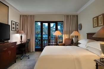 Sheraton Hotel Lampung - Deluxe Room, 1 Double Bed, Balcony, Garden View Regular Plan