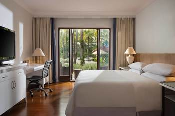 Sheraton Hotel Lampung - Deluxe Room, 1 Double Bed, Pool Access Regular Plan