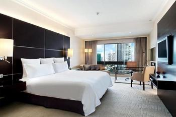 Hilton Singapore - King Hilton Executive Suite Regular Plan