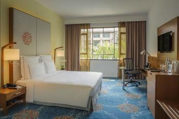 Swissotel Merchant Court - Premier Room, 1 King Bed, Non Smoking, Balcony Hemat 15%