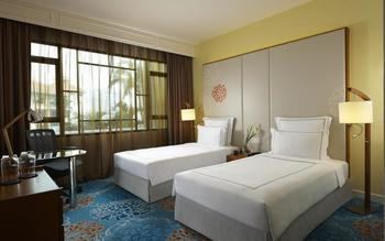 Swissotel Merchant Court - Premier Twin Room, 2 Twin Beds, Non Smoking Hemat 15%