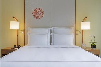 Swissotel Merchant Court - Premier Room, 1 King Bed, Non Smoking Hemat 15%