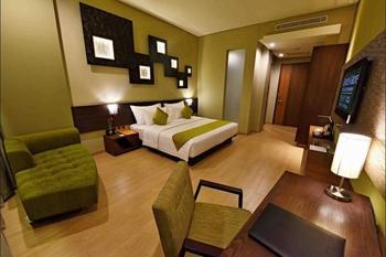 Holiday Inn Jababeka Cikarang - Deluxe Room, 1 King Bed, Non Smoking, Bathtub Regular Plan