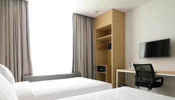 PALM PARK Hotel Surabaya Surabaya - Deluxe Room Jan-Dec2019:35%