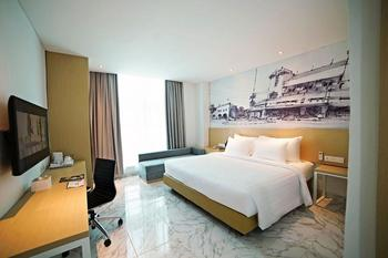 PALM PARK Hotel Surabaya Surabaya - Deluxe Room Only Regular Plan