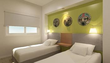 Front One Hotel Jayapura - Deluxe Twin Bed Regular Plan