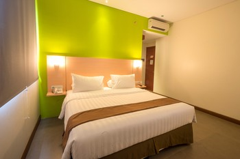 Front One Hotel Jayapura - Executive Room Queen Bed Regular Plan