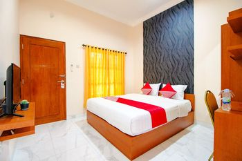 OYO 1473 Omah Tentrem Syariah Yogyakarta - Deluxe Double Room Regular Plan