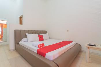RedDoorz Resort Syariah @ Batu Apung Purwakarta Purwakarta - RedDoorz Room LM 5%
