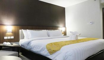 Horison Pasuruan Pasuruan - Deluxe Double Room Only Basic Deal Min Stay 2