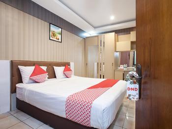 OYO 164 Ang's Residence Surabaya - Standard Double Room Regular Plan