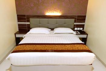 De Best Hotel Batam - Standard Double Room Only Regular Plan
