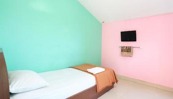 The Nancys Home Stay Pekanbaru - Deluxe Single Room Only Regular Plan