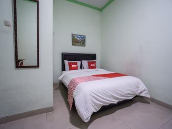 OYO 1798 Hotel 37 Syariah Jakarta - Deluxe Double Room Regular Plan