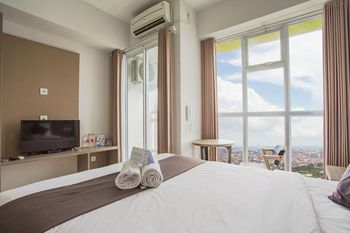 Life Taman Melati Surabaya Surabaya - Deluxe Room Breakfast Regular Plan