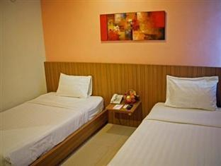 D Season Hotel Surabaya - Bisnis Twin Room Only Regular Plan