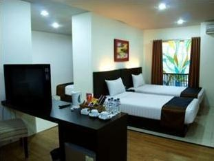 D Season Hotel Surabaya - Premium Twin Room  Regular Plan