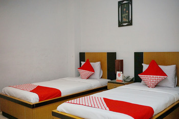 OYO 2291 Hotel Bahagia Makassar - Standard Twin Room Regular Plan