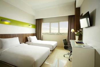 Hotel Santika  Cikarang - Superior Room Twin Offer Last Minute Deal