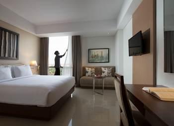 Hotel Santika Premiere Bekasi - Deluxe Room King Offer 2020 Last Minute Deal