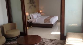 Hotel Santika Premiere Bekasi - Premiere Suite Room King Regular Plan