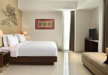 Hotel Santika Premiere Bekasi - Deluxe Room Twin Pool View Regular Plan