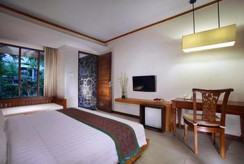 Aston Sunset Beach Resort - Gili Trawangan - Deluxe King Pool View Regular Plan