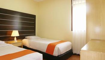 Arra Lembah Pinus Hotel Ciloto - Bungalow 3 Room Only DEAL 24 HOURS