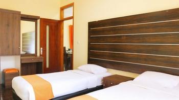 Arra Lembah Pinus Hotel Ciloto Puncak - Royal Suite 3 Room Regular Plan