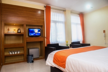 Arra Lembah Pinus Hotel Ciloto - Deluxe Room Only Regular Plan