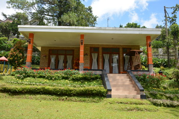 Arra Lembah Pinus Hotel Ciloto Puncak - Royal Suite 3 Room Only Regular Plan