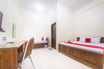 RedDoorz near Nusa Cendana University Kupang - RedDoorz Twin Room Regular Plan