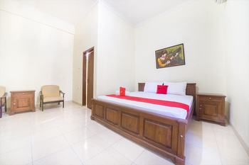 RedDoorz near Nusa Cendana University Kupang - RedDoorz Room Regular Plan