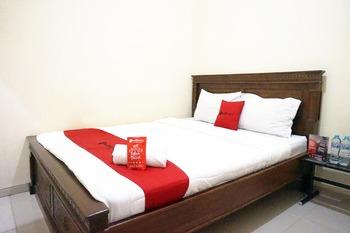 RedDoorz @ Jalan Kedawung Malang - RedDoorz Room Last Minute Deal