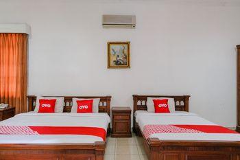 OYO 1614 Hotel Mandala Puri Malang - Suite Triple Regular Plan