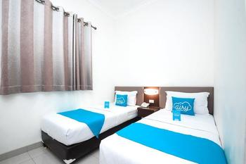 Airy Pecinan Kalikuping Utara 243 Semarang - Standard Twin Room with Breakfast Special Promo May 28