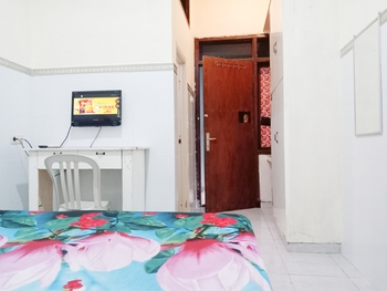 D'Kost Ketintang Surabaya - Standard Room with AC Flash Sale