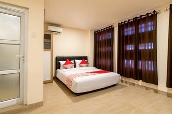 OYO 786 Sutomo Guest House Medan - Suite Double  Regular Plan
