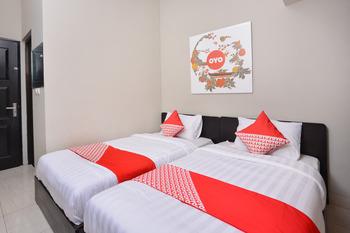OYO 543 Pucuk Matahari Family Guesthouse Solo - Standard Twin Room Regular Plan