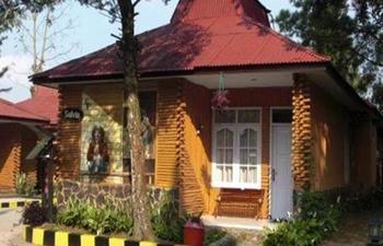 Ciloto Indah Permai Cianjur - Bungalow 2 Room VIP Regular Plan