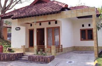Ciloto Indah Permai Cianjur - Bungalow 4 VIP Kitchen Regular Plan