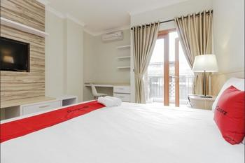 RedDoorz Premium @ Ragunan Zoo 2 Jakarta - RedDoorz Premium Room with Breakfast Regular Plan