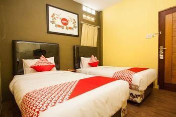 OYO 1052 Sentosa Jaya Guest House Syariah Medan - Standard Twin Room Last Minute