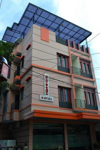 Gazzaz Hotel Pare-Pare - Superior Room Regular Plan
