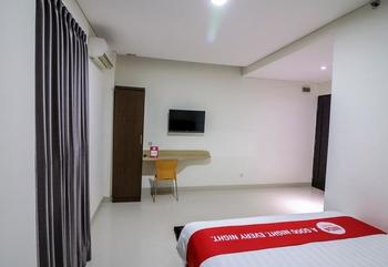NIDA Rooms Makassar Banda - Double Room Single Occupancy Special Promo