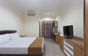 RedDoorz @Cilandak KKO Jakarta - RedDoorz Room Special Promo Gajian
