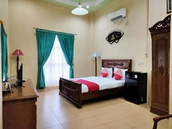 OYO 2994 Hotel Wedika Bengkulu - Suite Double Room Last Minute Deal