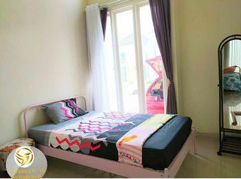 Griya Lina Dekat Jatimpark 3 Malang - Standard Room Only Regular Plan