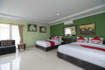 OYO 523 Dedy Beach Inn Bali - Suite Family Room Regular Plan